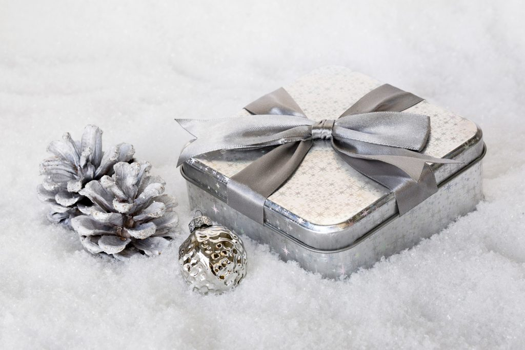 Fotos de piñas decoradas para navidad